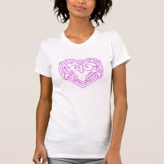 camiseta rosada del corazón