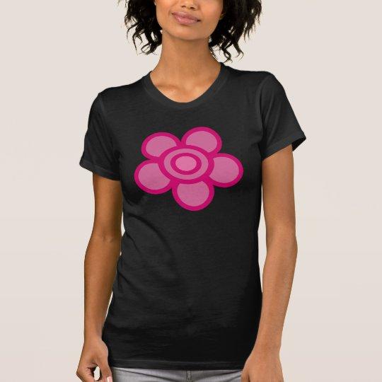 Camiseta rosada enrrollada del negro de la flor