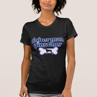 Camiseta rosada y azul del Pinscher del Doberman