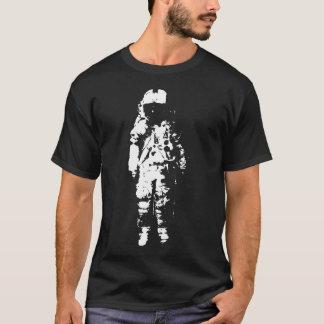 Camiseta solitaria de los individuos del