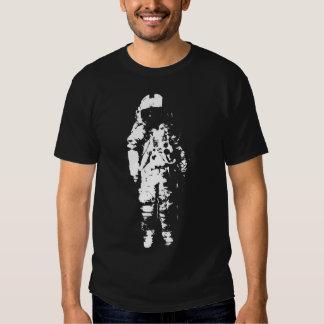 Camiseta solitaria de los individuos del playera