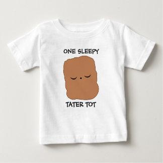 Camiseta soñolienta del bebé del tater polera