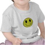 Camiseta sonriente del niño de la cara