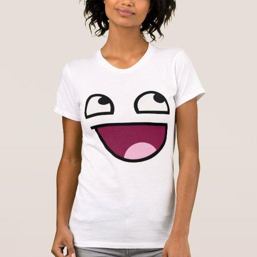 Camiseta sonriente impresionante de la cara