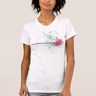 Camiseta sucia de las flores playeras