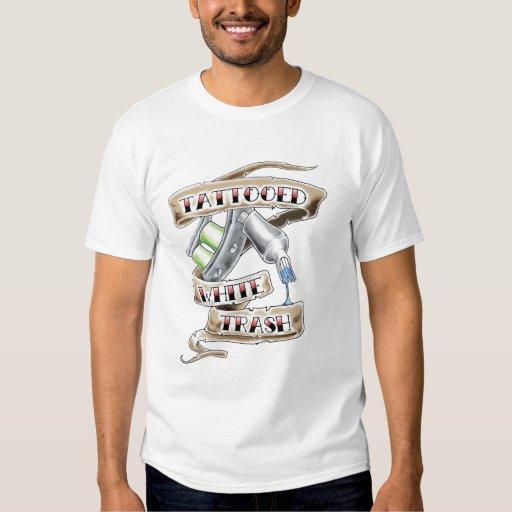 Camiseta tatuada de la basura blanca playeras