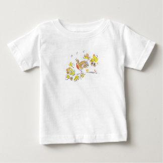 Camiseta temática del otoño con el petirrojo y las playeras