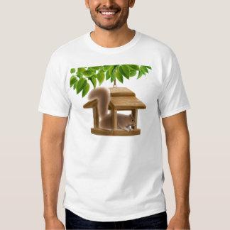 Camiseta traviesa de la ardilla del alimentador remeras