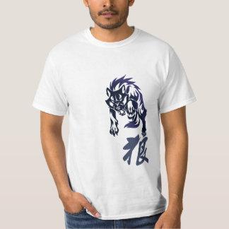 Camiseta tribal del tatuaje del lobo