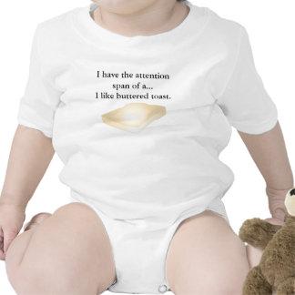 Camiseta untada con mantequilla de la tostada