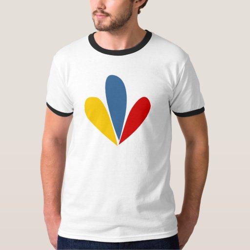 Camiseta venezolana del campanero de los pétalos