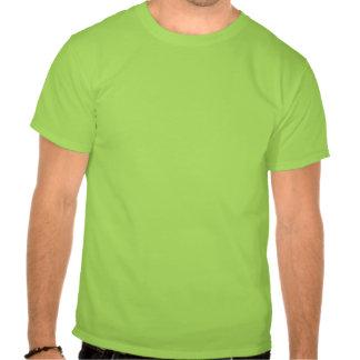 Camiseta verde letras roja