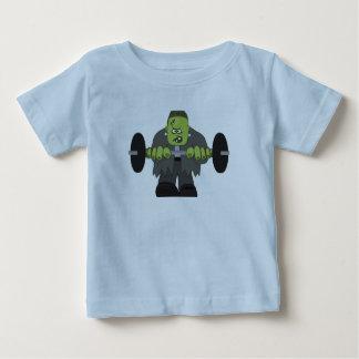 Camiseta vieja del entrenamiento de Frank