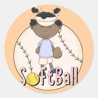 Camisetas afroamericanas y regalos del softball de pegatina redonda