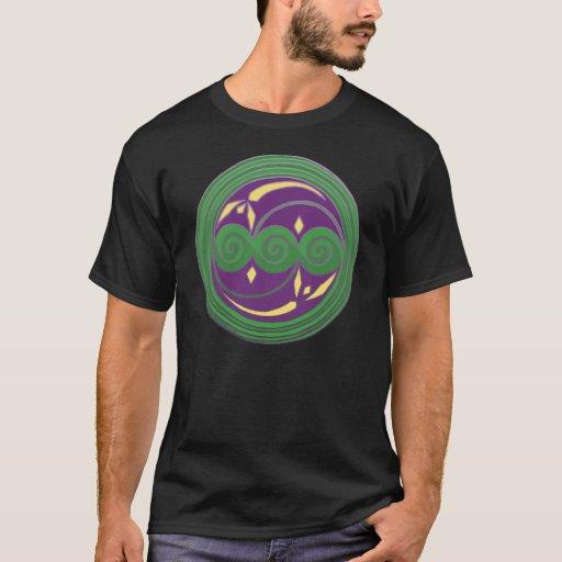 Camisetas célticas verdes y púrpuras del diseño
