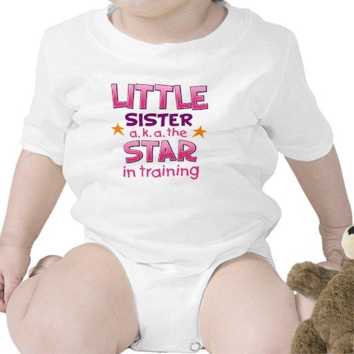 Camisetas de la estrella de la pequeña hermana y