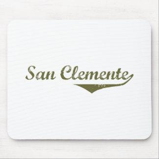 Camisetas de la revolución de San Clemente Alfombrilla De Ratón