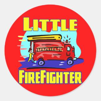 Camisetas del bombero de los niños y regalos del pegatina redonda
