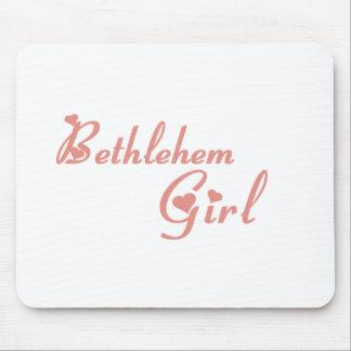 Camisetas del chica de Belén Alfombrillas De Ratones