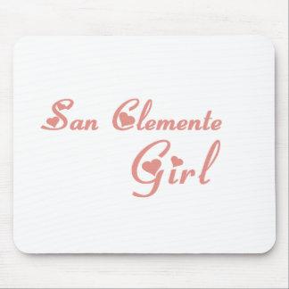 Camisetas del chica de San Clemente Tapetes De Ratones