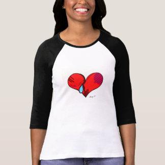 Camisetas del corazón quebrado