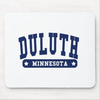 Camisetas del estilo de la universidad de Duluth M Alfombrillas De Ratones
