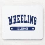 Camisetas del estilo de la universidad de Illinois Tapete De Raton