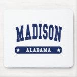 Camisetas del estilo de la universidad de Madison  Alfombrillas De Raton