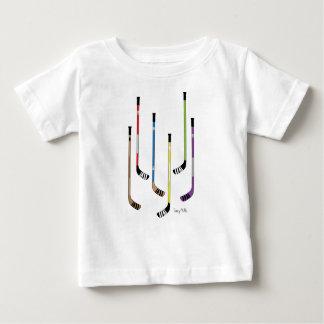 Camisetas del niño de los palillos de hockey playera para bebé