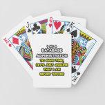 Camisetas divertidas del administrador de base de  barajas de cartas