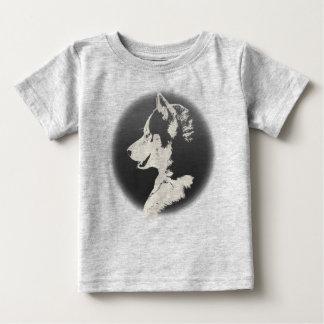 Camisetas fornido del perro esquimal del perro de playeras