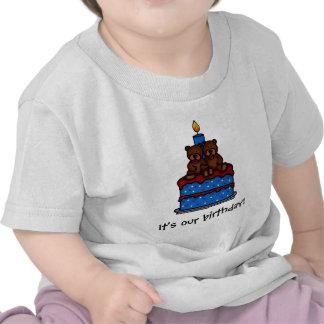 Camisetas gemelas del cumpleaños de los muchachos
