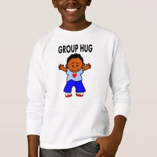 camisetas largas de las mangas del muchacho