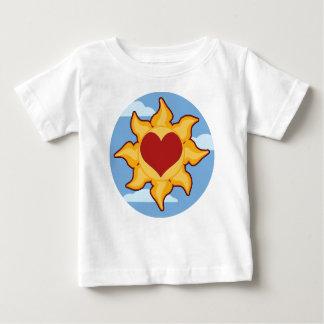 Camisetas lindas del bebé de Sun y del corazón
