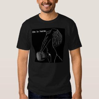 Camisetas negras de las producciones de las polera