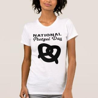Camisetas (negras) nacionales del día del pretzel playeras
