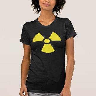 Camisetas radiactivas del símbolo