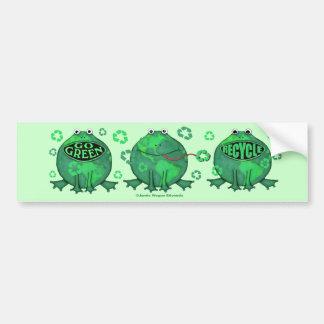 Camisetas verdes del ambiente del Día de la Tierra Pegatina De Parachoque