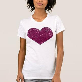 Camisetas violetas magentas del corazón de la