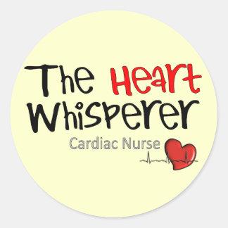 Camisetas y regalos cardiacos de la enfermera pegatina redonda