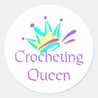 Camisetas y regalos Crocheting de la reina Pegatina Redonda