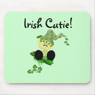 Camisetas y regalos de Cutie del irlandés del Lepr Alfombrillas De Ratones