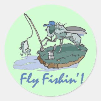 Camisetas y regalos de la pesca con mosca pegatina redonda