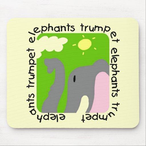 Camisetas y regalos de la trompeta de los elefante alfombrilla de ratón