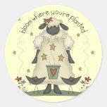 Camisetas y regalos de las ovejas de los niños pegatina redonda