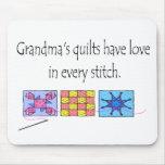 Camisetas y regalos de los edredones de la abuela alfombrillas de raton