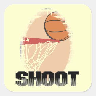 Camisetas y regalos del baloncesto del lanzamiento colcomanias cuadradas personalizadas