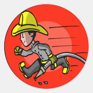 Camisetas y regalos del bombero de los niños pegatina redonda