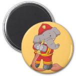 Camisetas y regalos del bombero del elefante imán de frigorifico