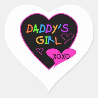 Camisetas y regalos del chica del papá del corazón pegatina en forma de corazón